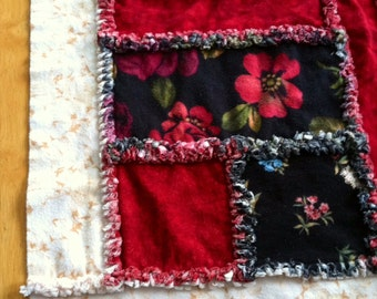 "Black & Red Rose Flannel Rag Quilt (52""x64"")"