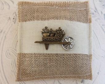Vintage brooch and burlap Lavender Sachet - Organic lavender sachet - linen sachet - Wedding favor - Party favor - Garden wedding favor