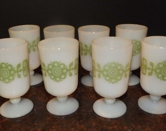 Vintage Lot of 8 Pedestal Mugs Mik Glass Footed Cups Green Flower Retro
