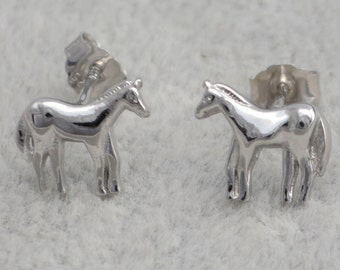 Small Pair of Sterling Silver Horse Stud Earrings e2