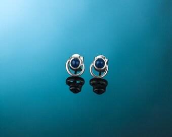 Silver earrings AINE117A. Light silver earrings.