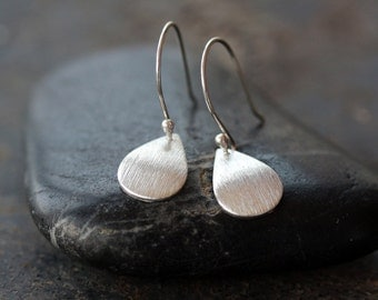 Sterling Silver Teardrop Earrings, Curved Drop Earrings, Brushed Silver Drops, Sparkly Jewelry, Minimal Earrings, Modern Style