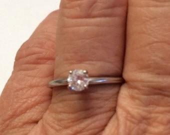 14k White Gold Round Brilliant Diamond Engagement Ring 0.25 or Quarter Carat  Size 7