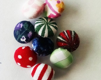 Buttons fabric covered one half inch diameter 3 buttons shank style