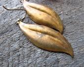 Brass Leaf Earrings Rustic Nature Leaves 1970s Boho Patina Dangles
