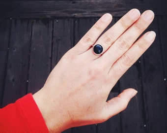 round onyx and silver ring