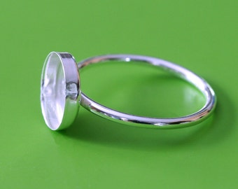 One Round 10 mm Sterling Silver Bezel Cup on Ring • Size 2 to 15 • Ready for Stone or Resin • Supplies