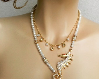 Beach Wedding Necklace Pearl Necklace with Gold Seahorse Bridal Necklace Statement Ocean Necklace Beach Necklace Destination Wedding Jewelry