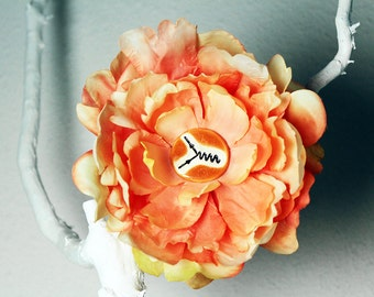 Feynman Diagram Flower Hair Clip in Peach