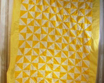 vintage crib quilt blanket yellow calico pin wheel 36 1/2 x 54 in sewing supplies Klong Toey Patchwork made in Thailand polyester and cotton