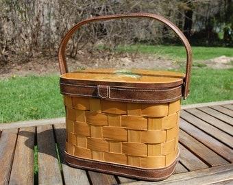 vintage seventies purse woven picnic basket handbag wooden leather handle horned Owl bird decoupage raised design appliqué accessory women