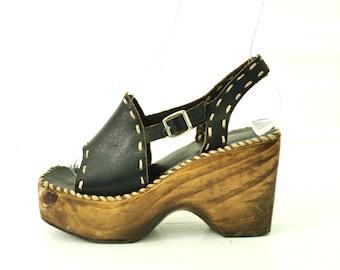 70s Wood Platform Sandals Open Toe Stitched Detail Square Toe 7 7.5 // 96