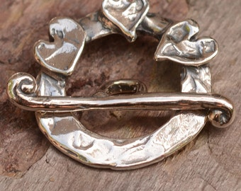 Round Toggle with Hearts in Sterling Silver J96