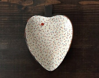Heart Shaped Dish : Light Background Dots