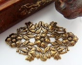 ANTIQUE BRASS Art Nouveau Oval Leaf & Flowers Stamping - Jewelry Ornamental Findings (FC-3) #