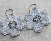 Beaded Crochet Earrings. Crochet Flowers, Dangle Earrings, Gift for her, Mother's Day Gift, Crochet Jewelry, Flower Earrings in Grey