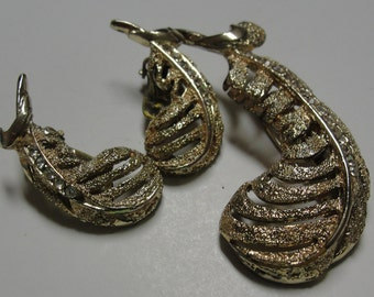 Goldtone Rhinestone Feather Matching Clip Earrings