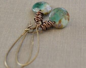 Earth Green Bead Earrings, Antique Brass, Wire Wrapped Earrings, Natural Stone, Earthy Boho Beach Style Lapin du Printemps