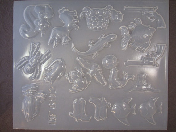 Resin Mold Animals & Western Assorted Tray 18 Shapes Animals Fish Spider Gun Lizard