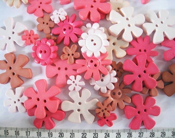 30 pcs of Flower Button - 15mm to 33mm -  Pink Beige Light Brown