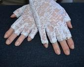 White Lace Wedding Gloves, Bridal gloves, fingerlass gloves, bridal lace, white lace gloves, gothic