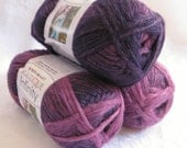 Boutique Infinity yarn in ENCHANTED,  bulky weight yarn, Red Heart Boutique, purple violet shaded yarn, metallic