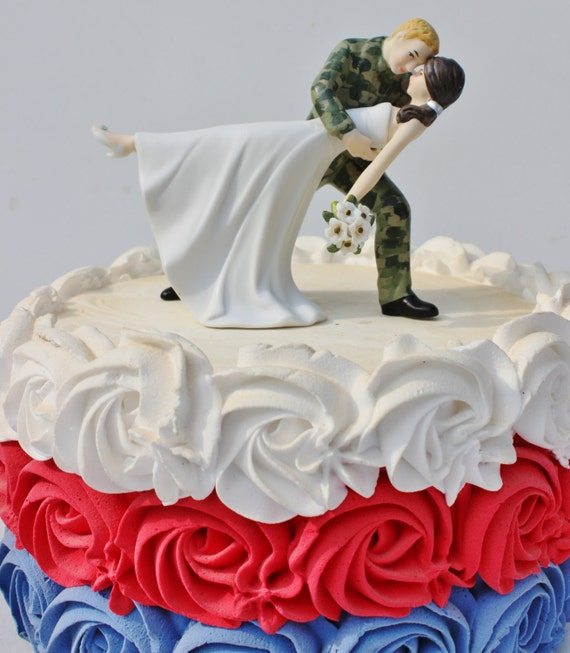 military wedding cake toppers army items similar to us army camo soldier wedding 17374