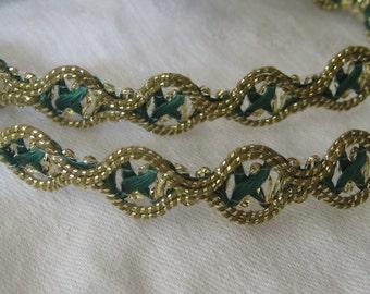 1 yd VINTAGE Green & Gold Metallic Sewing APPLIQUE Trim
