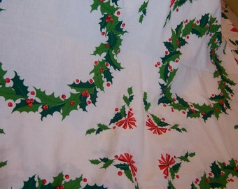 lovely circles of holly christmas table cloth