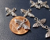 50% Off 10 Bee Charms, Antique Silver tone, 17x13mm C0260
