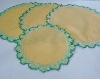 Crochet Two Tone Green Edging VintageYellow Cloth  Doily Doilie