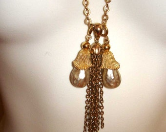 Sarah Coventry gold tassel necklace with 2 removeable  pearl pendants