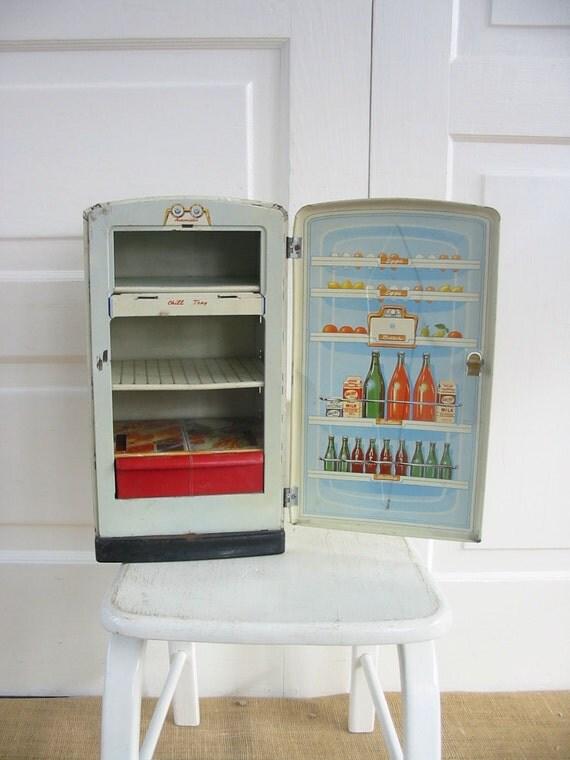 jouet m tal vintage r frig rateur poup e meubles blancs. Black Bedroom Furniture Sets. Home Design Ideas