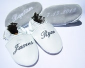 leather baby shoes -  baptism white leather shoe - white baptism shoes , cross on shoes, soft baptism booties- infant girl booties