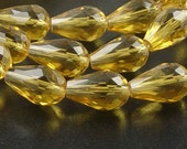 CLEARANCE Glass Beads 10 Yellow Champagne Teardrop Faceted Drop 15mm x 10mm (1021gla15-05)os