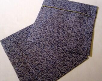 Lined Sandwich Bag--Blue Hexagons (no border)