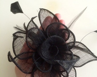 SINAMAY FASCINATOR and PIN,  Black with Hackle feathers / 1003