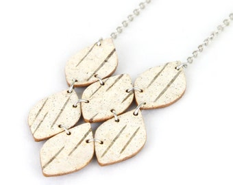 Birch bark necklace, Truss