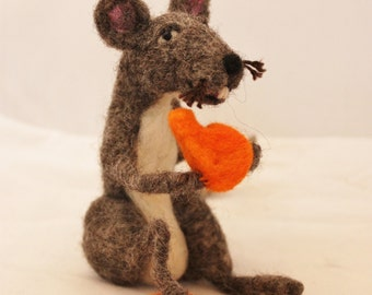 Mouse, Needle Felted GrayMouse with Cheese # 505