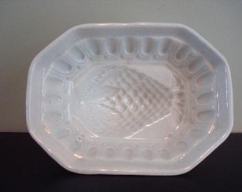 Very nice vintage white ironstone food mold- berry design