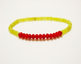 Red Coral and Olive Jade Bracelet / Bright / Red Coral / Yellow Green / Jade / Stacking Bracelet / Stretch Bracelet / Semi-precious stones