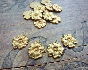 Vintage Brass 15mm Flower Stamping (4)