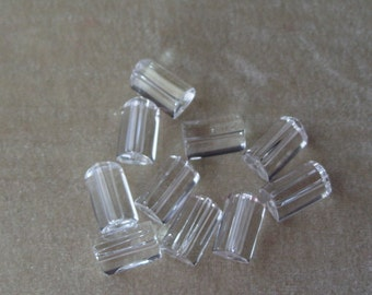 10 Triangle Shaped 16mm by 10mm Smooth Clear Crystal (302)