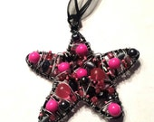 Christmas star ornament - pink - black - beaded star - hot pink - beaded holiday decoration - wire wrapped ornaments, suncatcher, gift idea