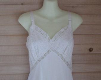White Nylon & Lace Accordian Pleated Full Slip 36