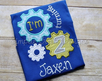 Custom robot gears birthday shirt. Sizes 12m, 2t, 3t, 4t or 5. Other sizes, colors and fabrics available.