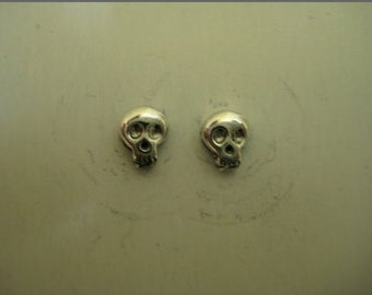 Tiny Skull Stud Earring's Sterling