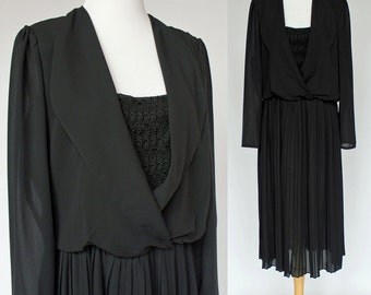 70's Black Chiffon Dress / Polyester / Accordion Pleat Skirt / Long Sleeves / Wrap Bodice / Medium to Large