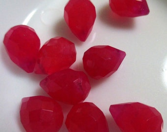 Ruby Red Jade Teardrop Briolettes, (22 beads), LOT 155