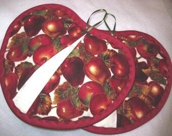 Heart shaped  pot pincher hot pad set / apples